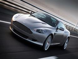 Aston Martin DB9 erede della db7
