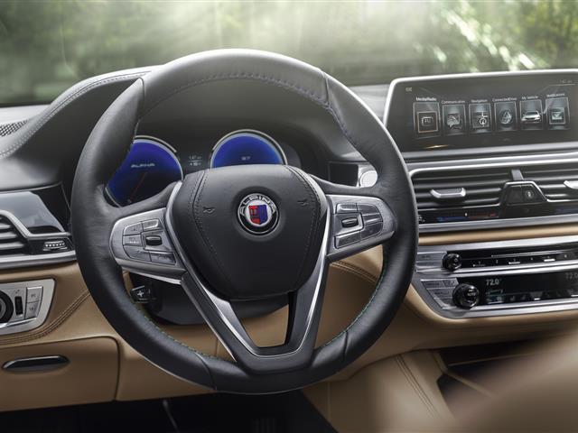 NUOVA BMW ALPINA B7: IL V8 BITURBO EROGA 600 CV