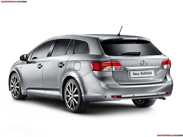 Toyota Avensis: berlina o station wagon