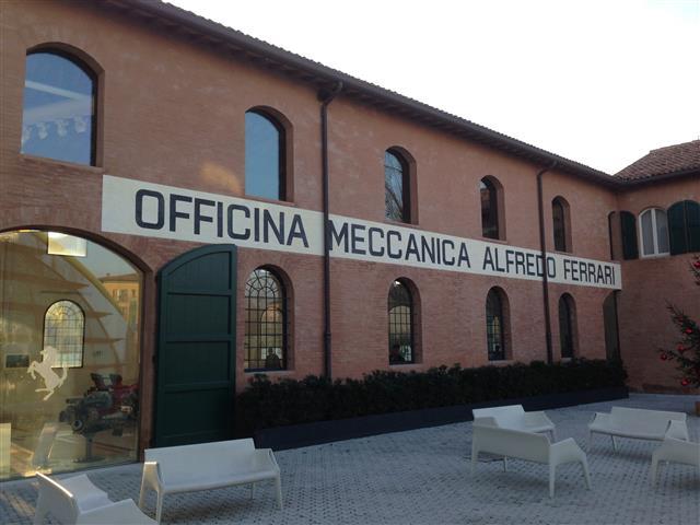 VISITA AL MUSEO-CASA ENZO FERRARI DI MODENA